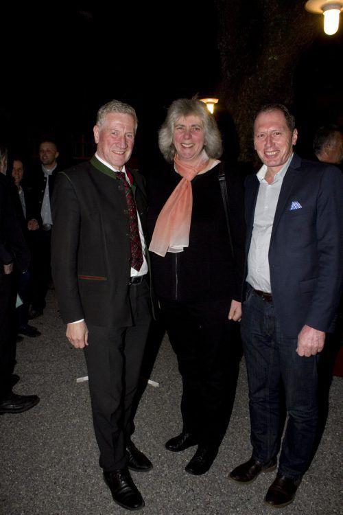 LR Erich Schwärzler (l.), Auguste Gassner (VZZV) und Josef Moosbrugger (LWK).