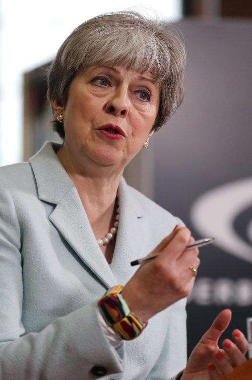 May erteilt dem von der EU vorgelegten Vertragsenturf eine Absage. reuters