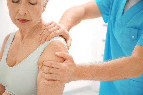 MedKonkret informiert über Osteoporose und Präventionsmaßnahmen. fotolia