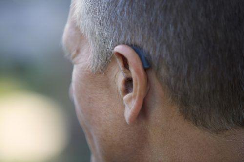 Hörgeräte sind heutzutage kein ästhetisches Problem mehr.wiko