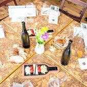 Wein und Käse auf dem Vitkin-Weingut