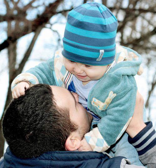 Es ist essenziell für die Entwicklung eines jeden Kindes, sein enormes Bedürfnis nach Bindung von Anfang an zu stillen.kinderdorf