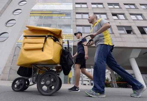 Post AG und Postgewerkschafter heute vor Arbeits- und Sozialgericht. APA