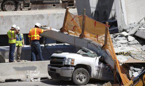 Sechs Menschen kamen bei dem Brückeneinsturz ums Leben. ap
