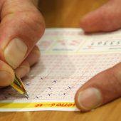 Elf Millionen Euro warten seit einem Jahr auf Lottogewinner