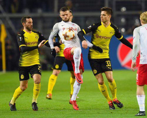 Valon Berisha war von den Dortmundern nicht zu stoppen, der Salzburger war mit zwei Treffern maßgeblich am Sieg der Bullen beteiligt.afp