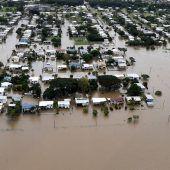 Hunderte Häuser unter Wasser