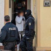 Über 100 Festnahmen bei Razzia gegen Rotlichtbande
