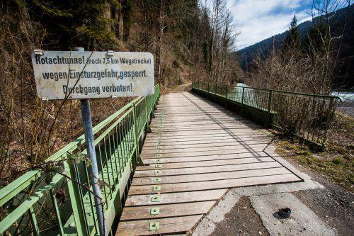 """Am Eingang zum Achtalweg befindet sich das """"Durchgang verboten!""""-Schild. VN/Steurer"""