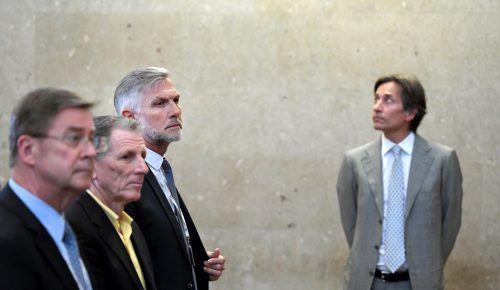 Angeklagte im Strafprozess: Karl Petrikovics (v. l.), Peter Hochegger, Walter Meischberger und Karl-Heinz Grasser im Wiener Straflandesgericht.APA