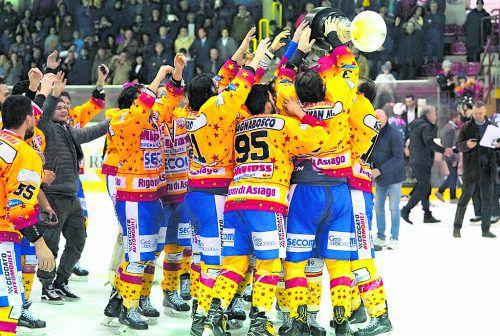 Asiago ist der neue Champion in der Alps Hockey League. Die Venetier setzten sich im entscheidenden Finalspiel gegen Ritten mit 7:5 durch. David S. Wassagruba