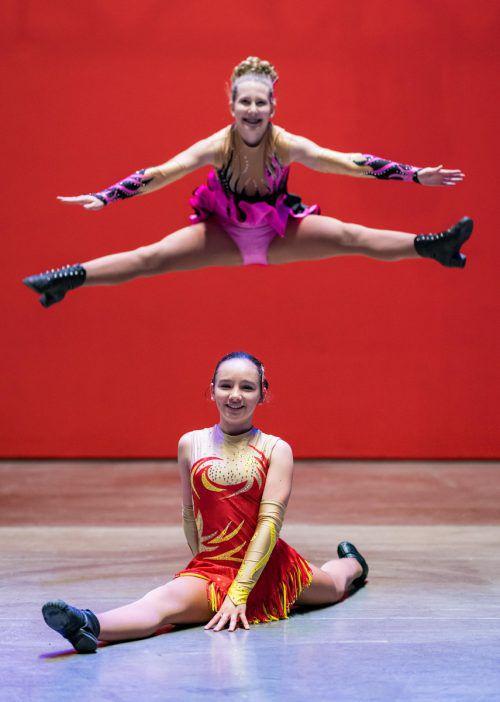 Auch Alina (hinten) aus Bürs und Denise aus Thüringen haben fleißig für das große Event in Dornbirn trainiert. VN/Stiplovsek