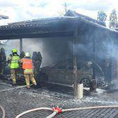 Brand eines Carports in Lustenau