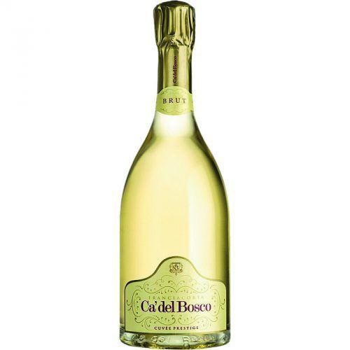 Ca'del Bosco, Franciacorta, Cuvée Prestige, Erbrusco             Maurizio Zanella, Besitzer des bekanntesten Betriebs der Region, erzeugte 1976 gemeinsam mit einem Kellermeister aus der Champagne drei Schaumweinstile, einen Brut, einen Dosage Zéro und einen Rosé. Seit diesem Zeitpunkt arbeitet er permanent an der Erhöhung der Qualität seiner Weine, perfektioniert jeden Produktionsschritt im Keller und reift seine Weine jahrelang auf der Hefe, bevor sie nach einigen Monaten Flaschenreife verkauft werden. Der Ca'del Boso zeigt sich mit einer intensiven goldgelben Farbe, einer festen Schaumbildung im Glas, intensiven Hefenoten in der Nase, Brioche, Waldpilze, reifer Apfel, Ananas und Kräuter, mit feinen Bläschen am Gaumen, einem vielschichtigen Körper und einem anhaltenden Abgang. Gesehen bei: Wein & Co, Bregenz, 35,50 Euro