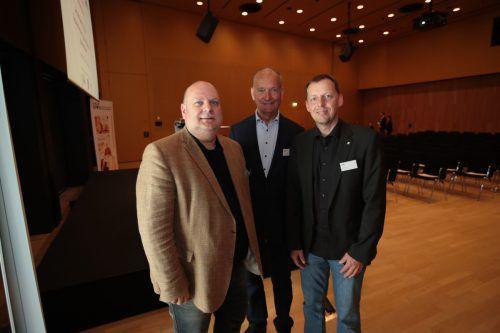 Christian Scharinger (l.) mit Erich Hotter und Ingo Vogl.