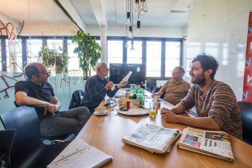 Christoph Breuer, Kuno Sohm, Karlheinz Zeiner und Stefan Schartlmüller (v. l.) diskutierten bei den VN über Bürgerräte. VN/Hartinger
