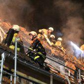 Dachstuhlbrand in Dornbirn löst Großeinsatz aus