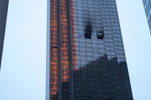 Das Feuer brach im 50. Stockwerk des Wolkenkratzers aus. AP