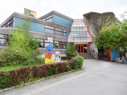 Die Planung für die Sanierung der Harder Mittelschule Mittelweiherburg läuft an. AJK