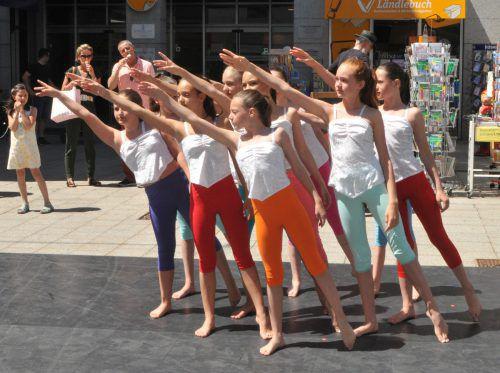 """Der erste Auftritt bei """"Stadt der Kinder"""" im Juni 2017.Ballettschule Monika"""