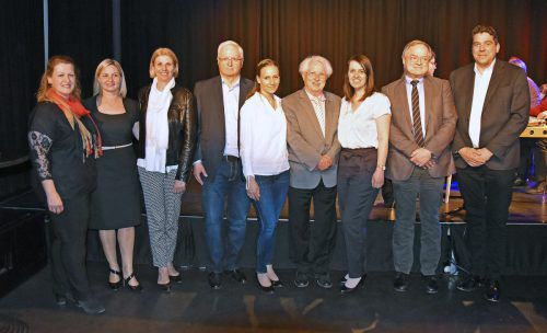 Der Vorstand des Krankenpflegevereins Hard mit den Ehrengästen, rechts Bürgermeister Harald Köhlmeier. ajk