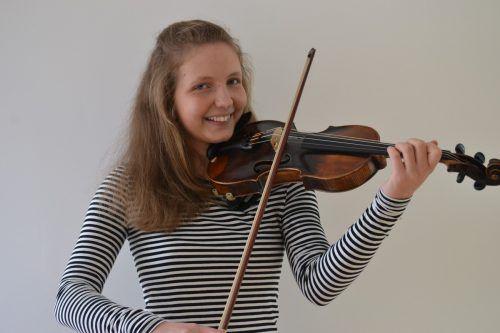 Die Bludenzerin Rahel Neyer spielt in vielen Orchestern und Ensembles. BI