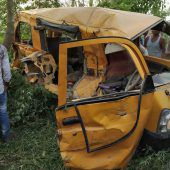 Zug erfasst Schulbus in Indien: Mindestens 13 Kinder tot