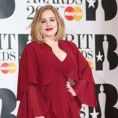 Adele übernahm Trauung von Freunden