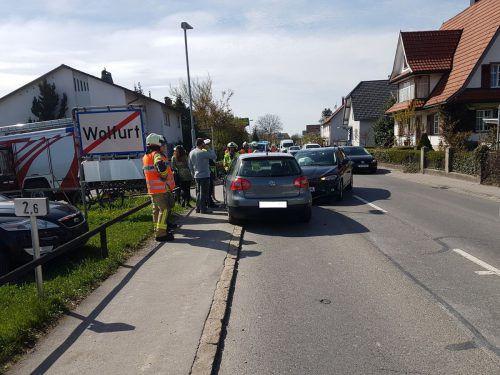 Die Straße war während der Aufräumarbeiten nur einspurig befahrbar. VOL.AT/Vlach