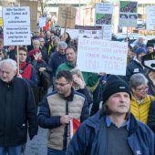1100 Teilnehmer bei Ostermarsch in Bregenz