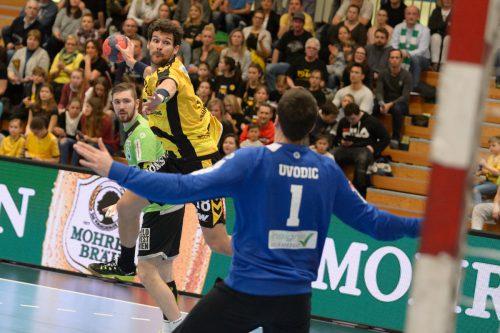 Dominik Bammer und die Bregenzer Handballer stehen am Dienstag im Spiel gegen West Wien unter Zugzwang.gepa
