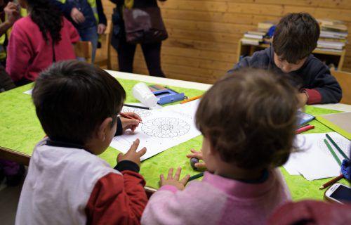 Eigene Deutschklassen für Kinder mit ausreichenden Deutschkenntnissen gefallen vielen Lehrern nicht.APA