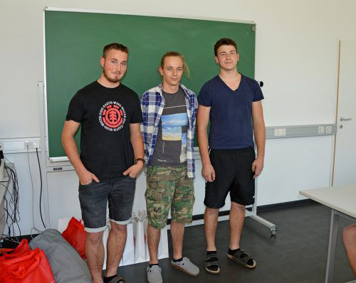 Erfolgreiches Vorarlberger Dachdecker-Trio beim Lehrlingswettbewerb: Philip Österle (3. Platz), Julien Blanc (1. Platz) und Julian Piazza (2. Platz). wkv