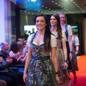 Misswahl-Kandidatinnen überzeugten bei Modeschau im Casino. A7