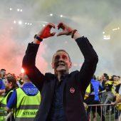 Adi Hütter erlöst Bern und macht sich als Meistertrainer unsterblich. C1