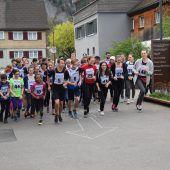 40 Firmlinge engagierten sich beim Stundenlauf