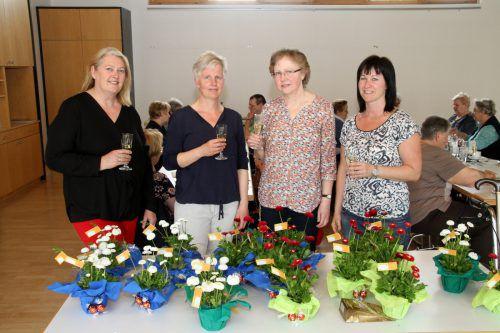 Freiwilligenkoordinatorin Heidi Krischke-Blum, Monika Fussenegger vom Dienstagshockteam, Gründungsmitglied Ingeborg Gorbach, Sozialarbeiterin Daniele Lehner. chf