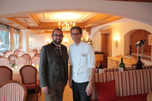 Gastgeber Johannes Pfefferkorn mit Küchenchef Thorsten Kiessau.