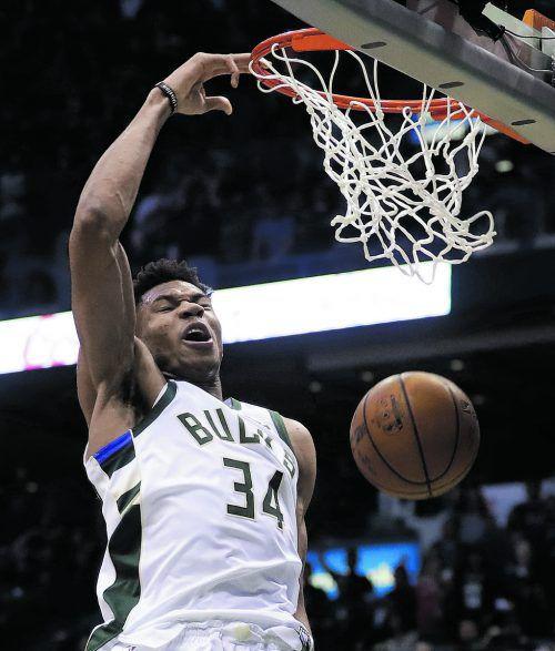 Giannis Antetokounmpo führte Milwaukee in ein siebtes Spiel gegen Boston.ap