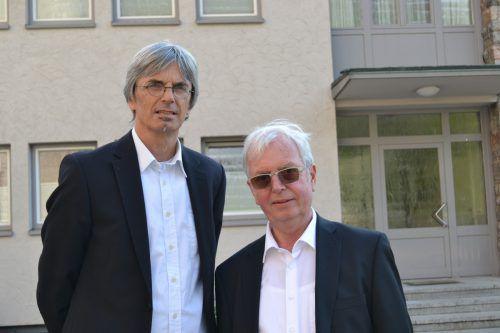 Hans Getzner und Mario Ploner (r.) freuten sich über den Erfolg der Aufführung.