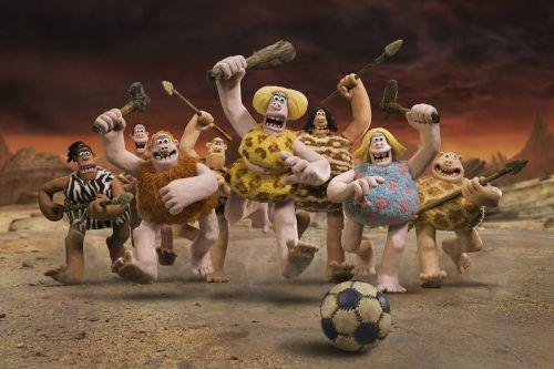 In Nick Parks Animationsfilm müssen liebenswerte Steinzeitmenschen ein Fußballspiel gewinnen, um ihre Heimat zu retten. Impuls Pictures