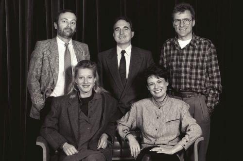 Intendant Leonhard Paulmichl (M.) und das Moderatorenteam 1988: Wolfgang Burtscher, Günter Polanec, Raphaela Stefandl und Angelika Böhler. ORF/Schaefler