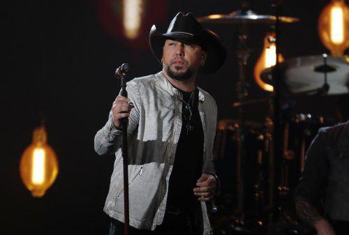 Jason Aldean gewann die wichtigste Country-Trophäe. Die Musik-Gala in Las Vegas erinnerte auch an die Opfer des Blutbads bei einem Festival vor sechs Monaten. Reuters