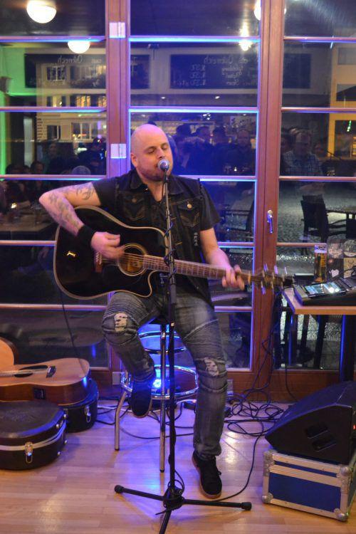 Jürgen Hummer ließ im Café Remise sein musikalisches Talent aufblitzen.