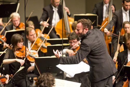Kirill Petrenko, der neue Chefdirigent der Berliner Philharmoniker, wird mit dem Symphonieorchester Vorarlberg die Symphonie Nr. 8 von Mahler realisieren. SOV/Mathis