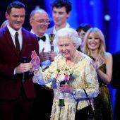 Tausende sangen Happy Birthday für Königin Elizabeth II.