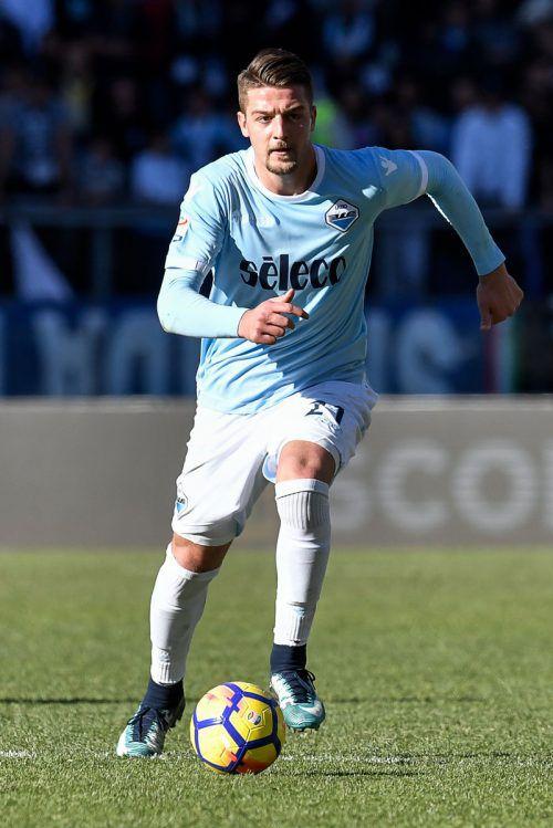 Lazio-Mittelfeldspieler Sergej Milinkovic ist am Fußballmarkt heiß begehrt.afp