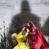 Zwei Königinnen oder zwei Diven im Zickenkrieg