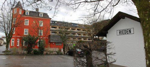 Mit der Jahreshauptversammlung im Hotel Schwärzler will der Museumsbahnverein daran erinnern, dass hier 81 Jahre lang die Haltestelle Rieden war.