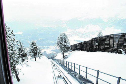 Mit der Standseilbahn Punt Muragl auf den Aussichtsberg Muottas Muragl.